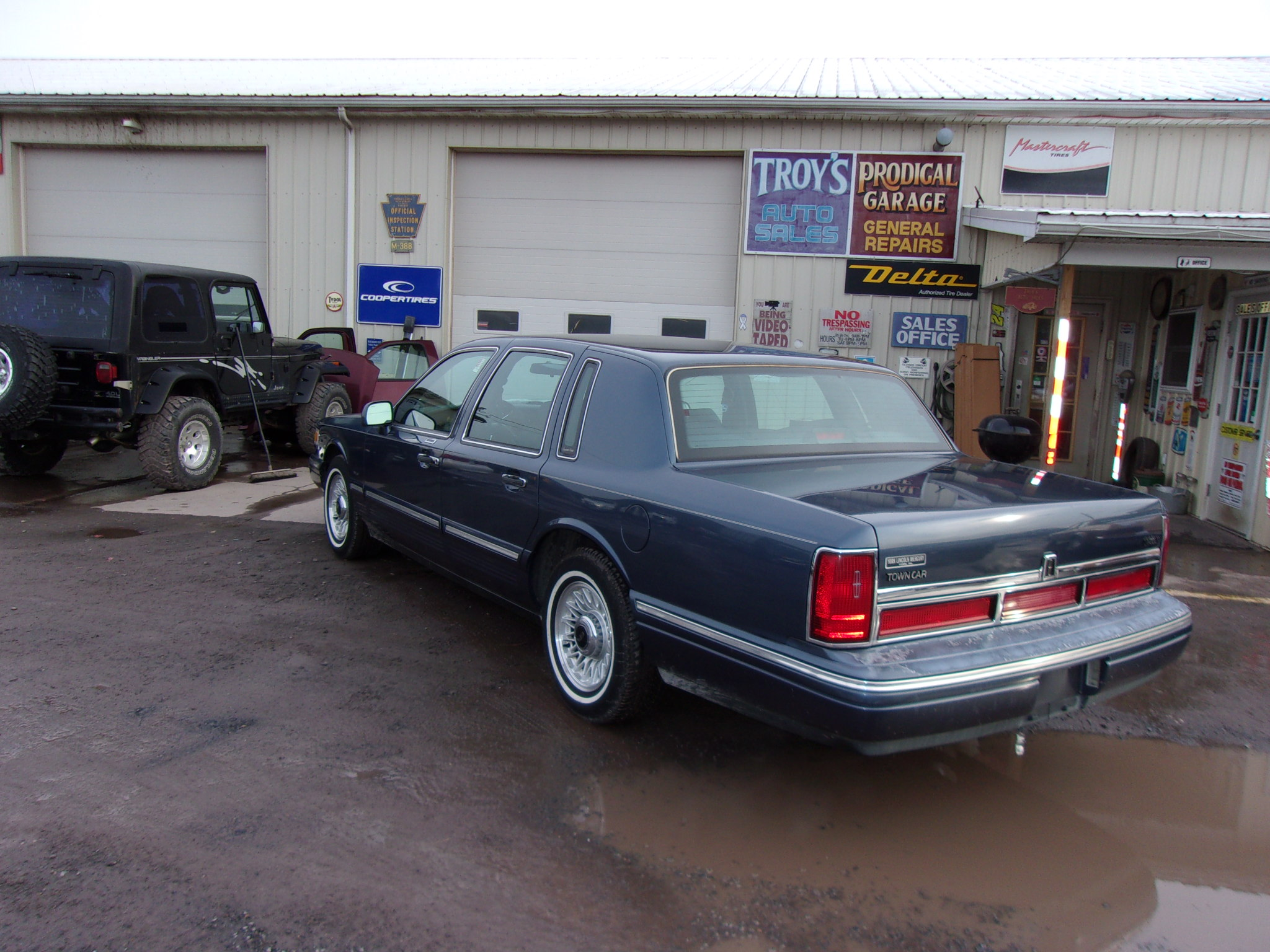 1996 Lincoln Town Car Troy s Auto Sales Inc
