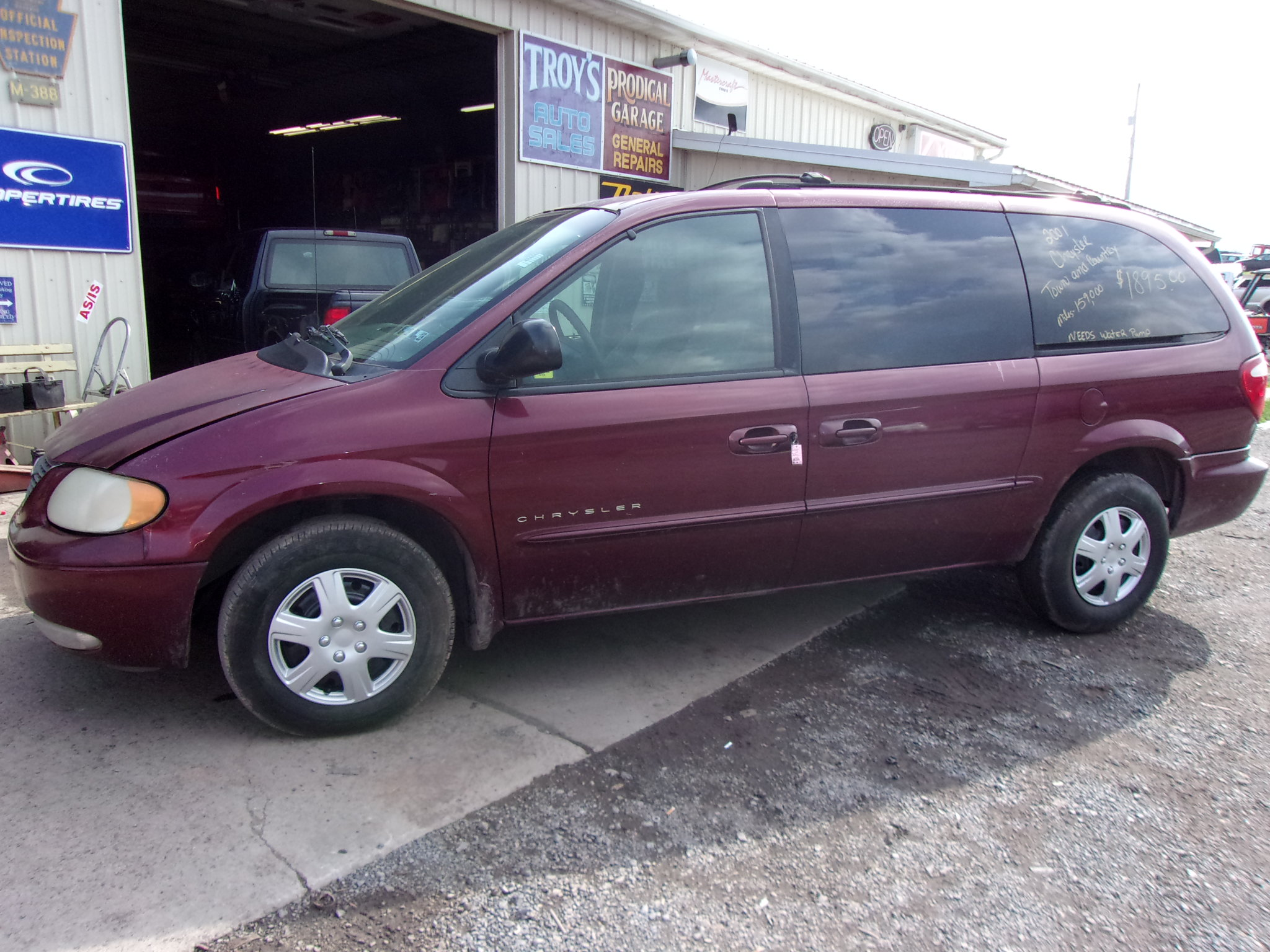 2001 Chrysler Town and Country V075 Troy s Auto Sales Inc